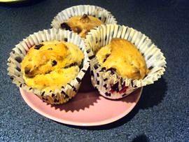 Dried fruit muffin presentation