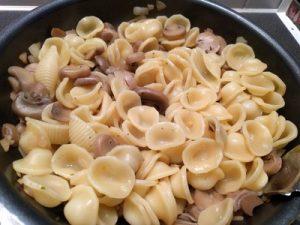 pasta pesto and mushrooms 22