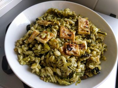 Orzo with brocoli pesto, spiralized courgette and black olive 42