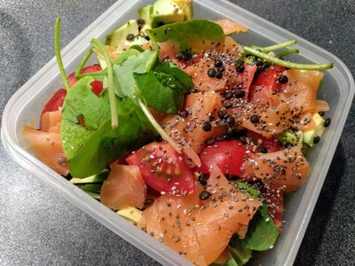 Salad with purslane, black lentils and smoked salmon 42