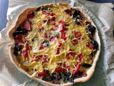Quiche with swiss chard and tomato 52