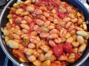 Gnocchi with courgette and tomato 32